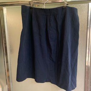 LL Bean pull on navy skirt
